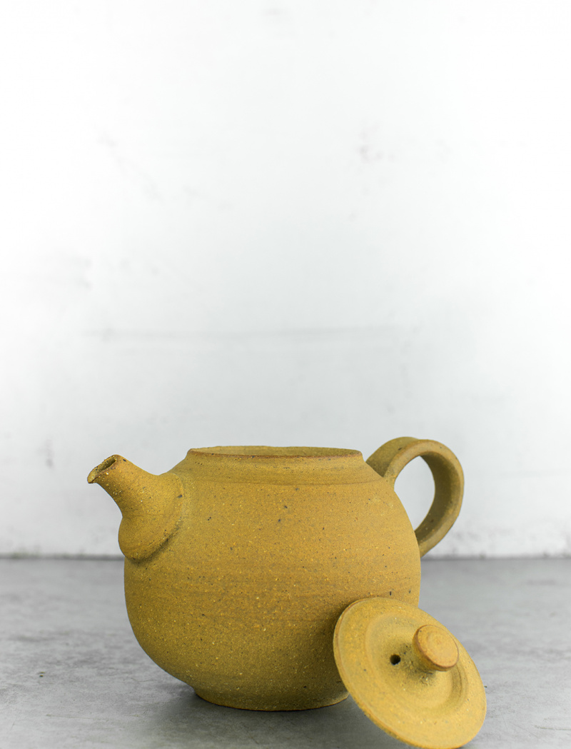 Clay teapot by Inge Nielsen
