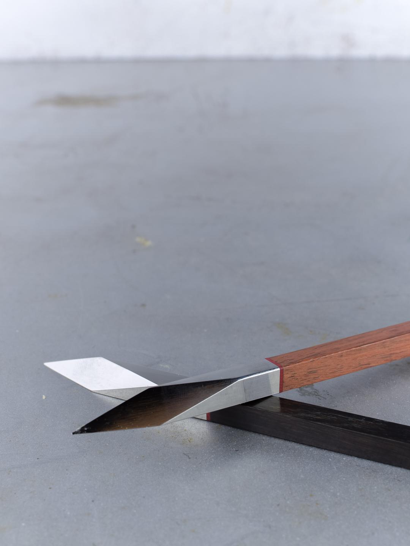 Modern teabontó kés